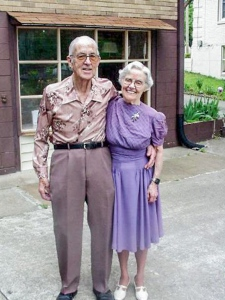 Mom and Dad on their 61st wedding anniversary, Hendersonville, Tennessee.  May 5, 2001.
